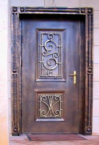 железные кованые двери