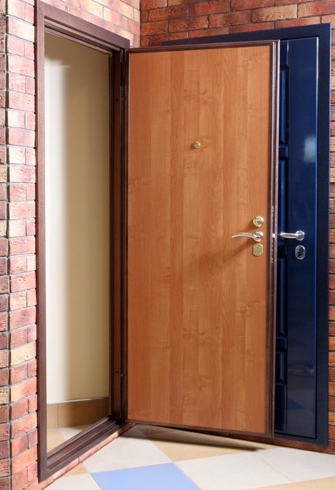 железные двери и установка