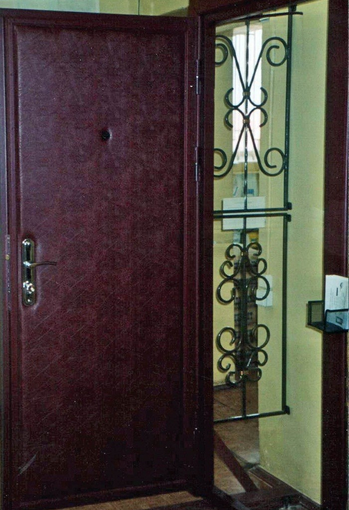 металлические двери обтянутые винилискожей