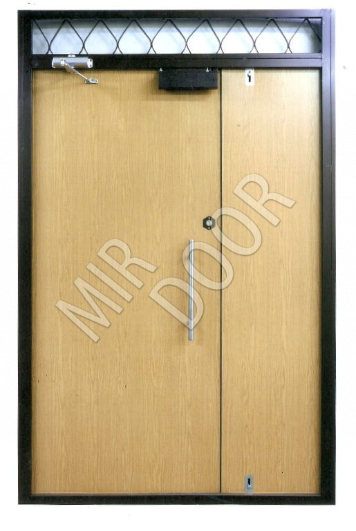 тамбурные металлические двери в наличии